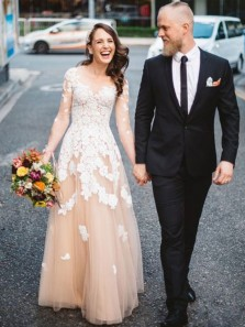 Vintage A-Line Scoop Neck Long Sleeve Champagne Tulle Wedding Dresses with Lace DG1020003