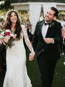 Romantic V Neck Open Back Long Sleeve White Lace Mermaid Long Wedding Dresses