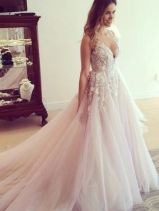 2019 Romantic A-Line V Neck Open Back Pink Tulle Wedding Dresses with Appliques