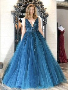 Charming Ball Gown V Neck Open Back Teal Tulle Long Prom Dresses with Appliques,Quinceanera Dresses,Pageant Dresses,Girls Junior Graduation Gown,Sweet 16 Party Dresses