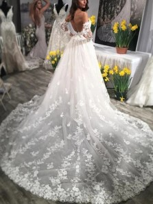 Ball Gown Sweetheart Lace Wedding Dresses with Train