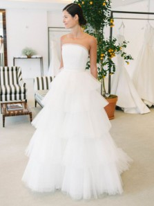 Charming A-Line Strapless White Tulle Wedding Dresses