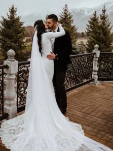 Chic Mermaid V Neck Long Sleeve Soft Satin Wedding Dresses with Lace Appliques