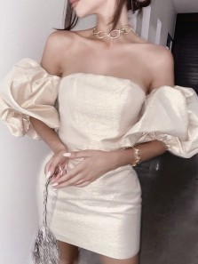 Unique Body con Strapless Light Champagne Mini Homecoming Dresses with Puff Sleeves