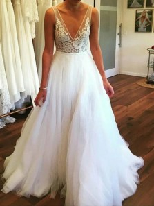 Gorgeous A-Line V Neck Backless White Tulle Lace Wedding Dresses