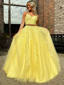 Chic Two Piece Sweetheart Spaghetti Straps Sparkly Tulle Long Prom Dresses with Appliques