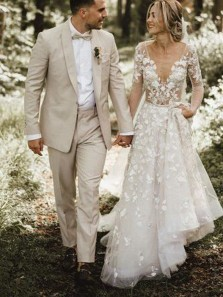 Vintage A-Line Long Sleeves V Neck Backless White Lace Wedding Dresses with Train