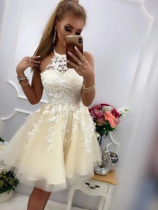Beautiful A-Line Halter Daffodil Tulle Short Homecoming Dresses with Appliques
