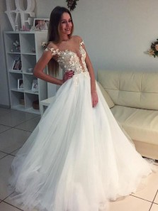 Romantic A-Line Round Neck Cap Sleeve White Tulle Wedding Dresses with Appliques