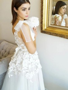 Romantic A-Line V Neck Open Back White Tulle Wedding Dresses with Lace Appliques