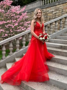 Stunning A-Line V Neck Cross Back Red Tulle Long Prom Evening Dresses with Appliques