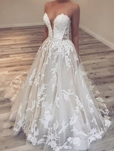 Romantic A-Line Sweetheart Open Back White Lace Wedding Dresses