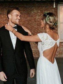 Boho A-Line Boat neck Cap Sleeve White Chiffon Wedding Dresses Beach Bridal Gowns