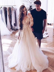 Gorgeous A-Line Round Neck Long Sleeve White Tulle with Appliques Wedding Dresses
