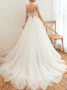 Charming A-Line V Neck Ivory Tulle Wedding Dresses with Appliques