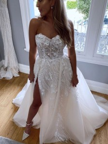 Charming A-Line Sweetheart White Tulle Wedding Dresses with Beading and Appliques