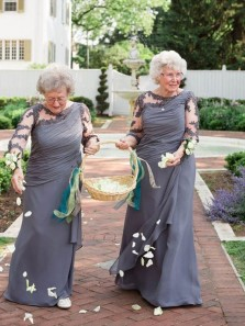 Classic A-Line Round Neck Long Sleeves Grey Chiffon Long Mother of the Bride ( Bridegroom) Dresses with Appliques