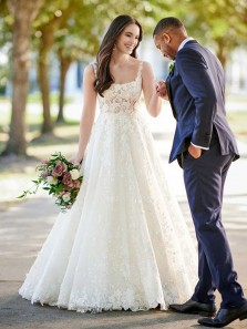 Ball Gown Scoop Neck Open Back White Lace Wedding Dresses