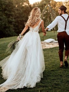 Boho A-Line V Neck Open Back Tulle Lace Wedding Dresses,Chic Bridal Gown