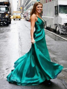 Chic A-Line V Neck Open Back Green Satin Long Prom Dresses with Pockets,Charming Graduation Dresses